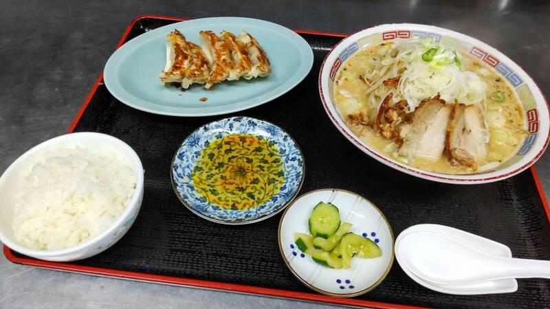 ラーメン餃子定食(900円)